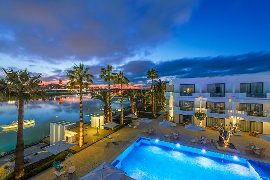 Dawliz Resort & Spa