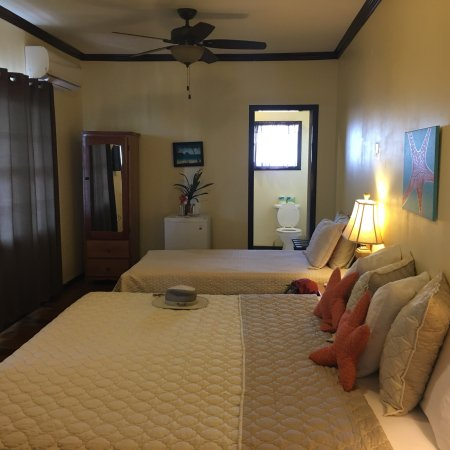 Ocean Tide Beach Resort: photo1.jpg