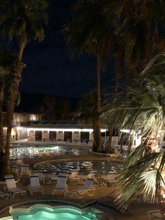 Desert Hot Springs Spa: Nite shot