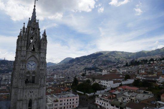 Basilika von Quito: View from Basilica del Voto Nacional