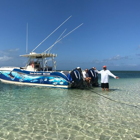 East End, جراند كايمان: Crystal Sea Charters is awesome.  Captain Ron and Hayden were great!