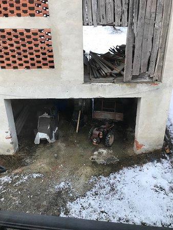 Frabosa Soprana, Italia: Vista dalla camera in cui abbiamo alloggiato e da cui siamo poi scappati