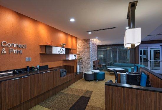Buda, TX: Business Center