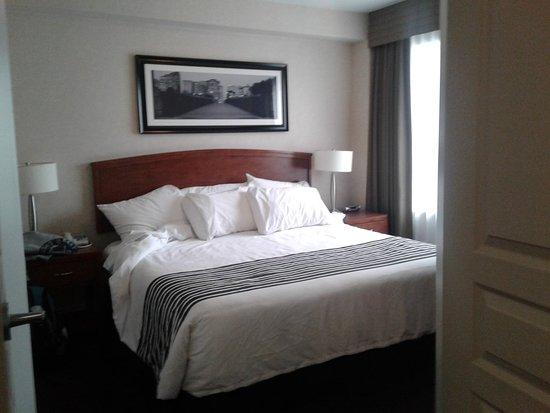Sandman Hotel & Suites Calgary West: 20180202_162201_large.jpg