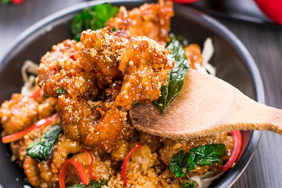 Crispy garlic chicken picture of noi thai cuisine seattle seattle noi thai cuisine seattle crispy garlic chicken forumfinder Choice Image