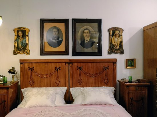 House of Hungarian Art Nouveau (Magyar Szecesszió Háza): Marital bed