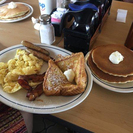 IHOP: Breakfast