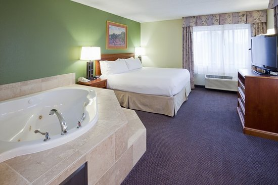 Saint Cloud, MN: Suite