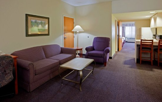 Holiday Inn Hotel & Suites St. Cloud: Guest room