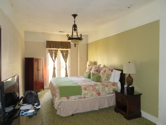 The Hotel Paisano: Room with king bed.