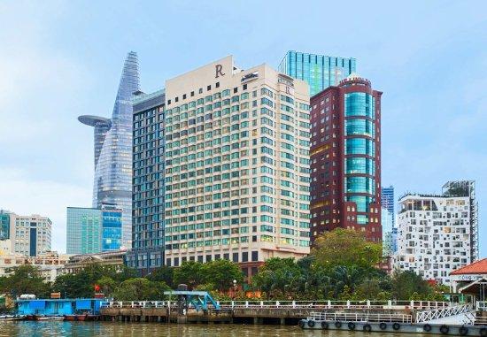 Renaissance Riverside Hotel Saigon : Exterior