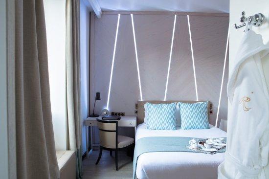 Hotel Royal-Riviera: Guest room