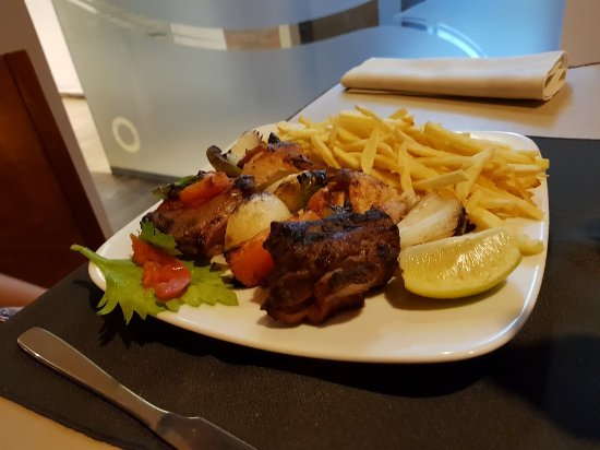 Los Robles Restaurant Parrilla: 20180208_225105_large.jpg