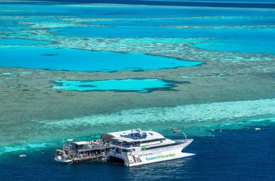Great Barrier Reef Day Cruise to...