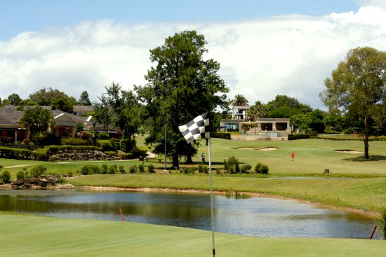 Coombabah, Australia: 1st and 9th Holes