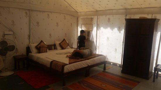 Le Royal Camps : Inside Tent