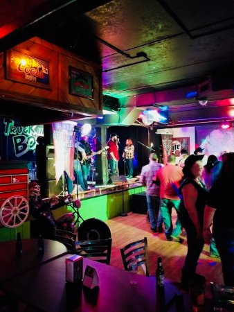 Millbury, OH: Bar and Grill Dance Area