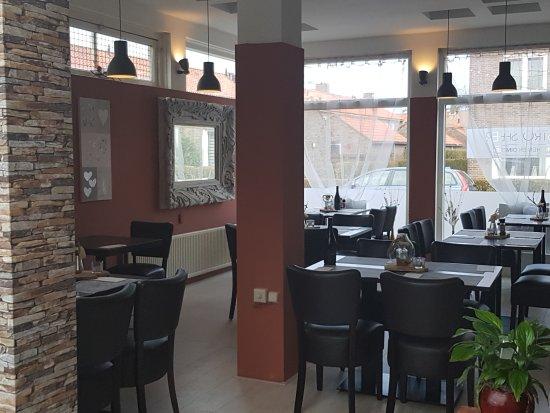 Naaldwijk, The Netherlands: Restaurant binnen