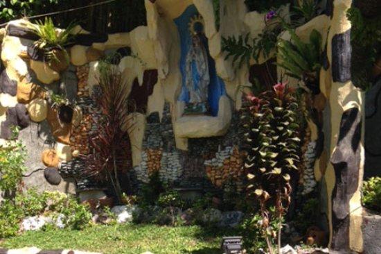 Montecillo De LeonarDo Resort: Grotto