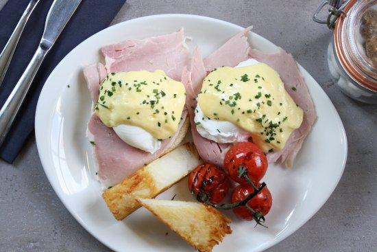 Stokes Lawn Café: Sundays are Brunch Days