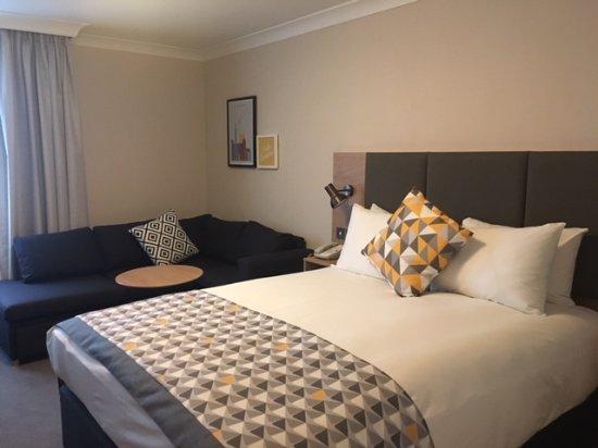 Holiday Inn Reading - South M4, Jct.11: Family Room