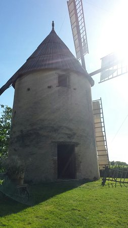 Brignemont, ฝรั่งเศส: Moulin en été