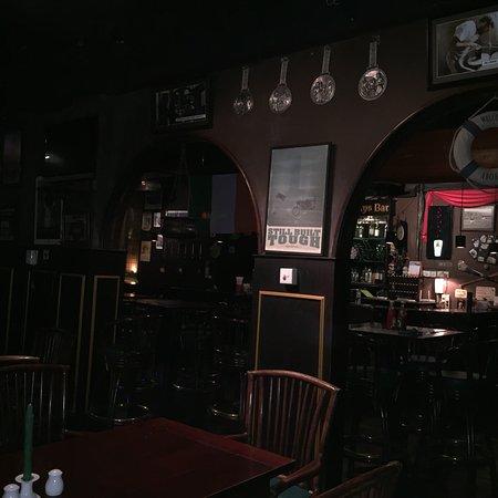 O'Flahertys Bar and Restaurant: photo1.jpg