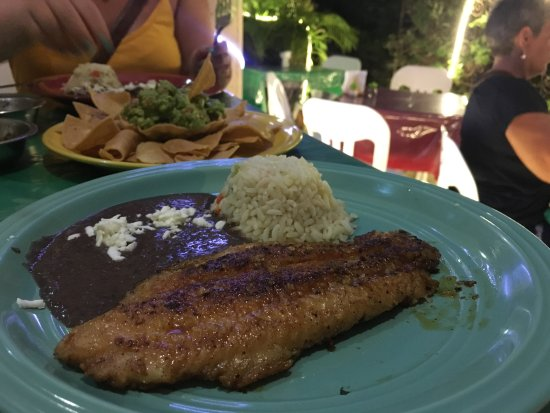 Ruben's Restaurant Isla Mujeres: Great tasty garlic fish