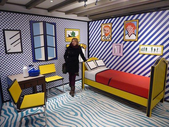 Roy Lichtenstein\'s evocation of Van G\'s Room in Arles - Picture of ...