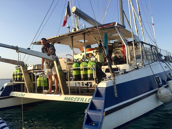 Les Anses d'Arlet, Martinica: Un catamaran tout confort pour la plongée
