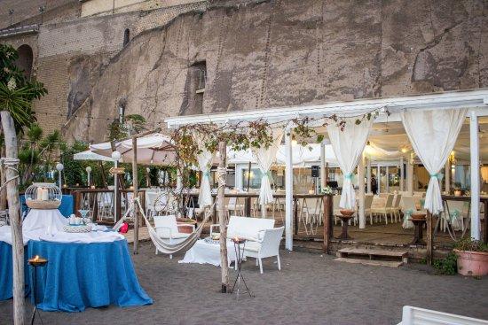 Matrimoni Spiaggia Napoli : Sorrento wedding matrimonio in spiaggia foto di ristorante