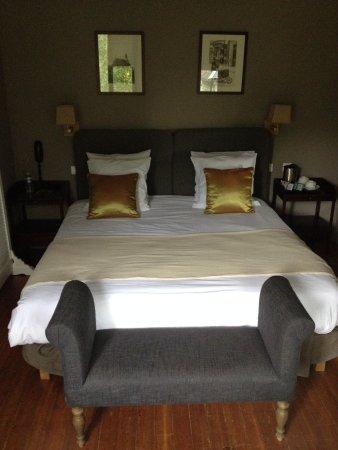 Hotel La Licorne - Prices & Reviews (Lyons-la-Foret, France ...