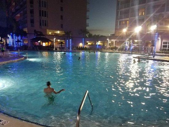 Blue Heron Beach Resort: 20171009_193032_large.jpg