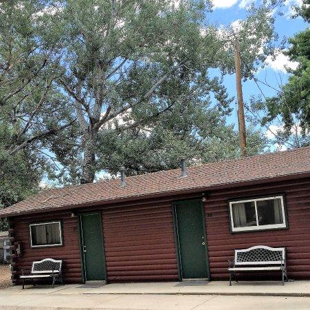 Buffalo, WY: Double Queen Duplex No Pets