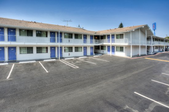 Motel 6 Portland South - Lake Oswego /Tigard: exterior
