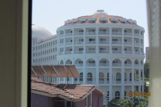 Rainbow Castle Hotel : вид с одного из балконов