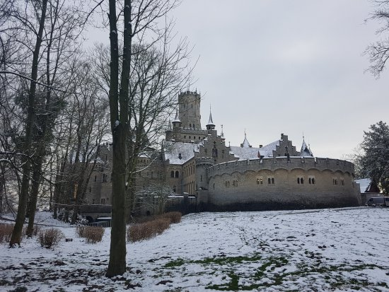 Pattensen b Hannover, Tyskland: Marienburg Castle in winter