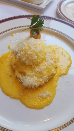 Restaurante Grano de Oro: Eggs Benedict