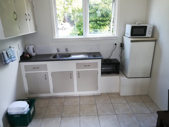 Motueka Garden Motel: Kitchen area