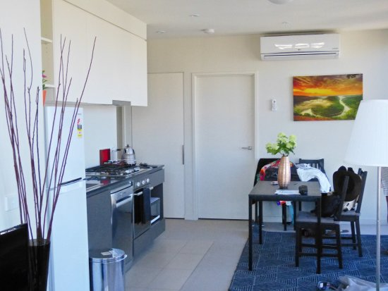 Melbourne SkyHigh Apartments - UPDATED 2018 Apartment Reviews ...