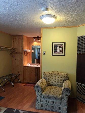 Buffalo, WY: Double Queen Kitchen Duplex Pet Friendly