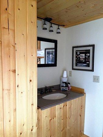 Buffalo, WY: King Deluxe Log Cabin Pet Friendly