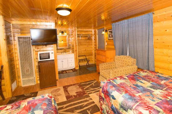 Buffalo, WY: Log Cabin with 2 Double XL Beds, Pet Friendly
