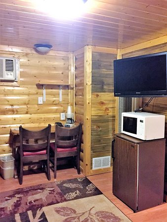 Búfalo, WY: Log Cabin with 2 Double XL Beds, Pet Friendly