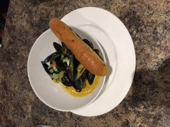 Fort Saskatchewan, Canada: PEI Mussels with Butter Chicken Sauce!