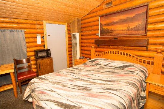 Buffalo, WY: Queen Log Cabin No Pets