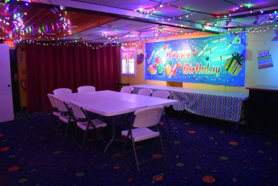 Exeter, NH : Birthday Party Room