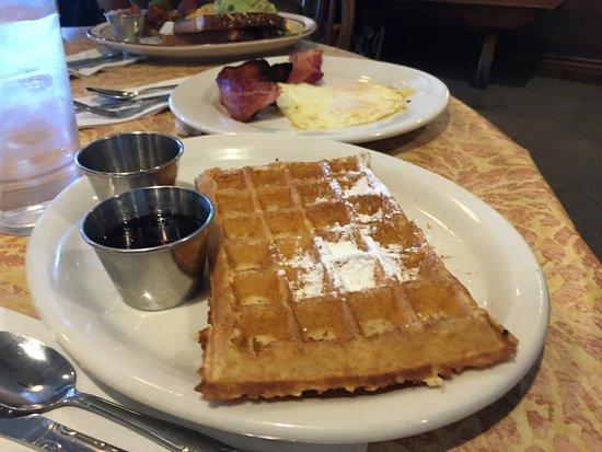 "Lake Arrowhead, CA: ""PLAIN"" B-Waffle"