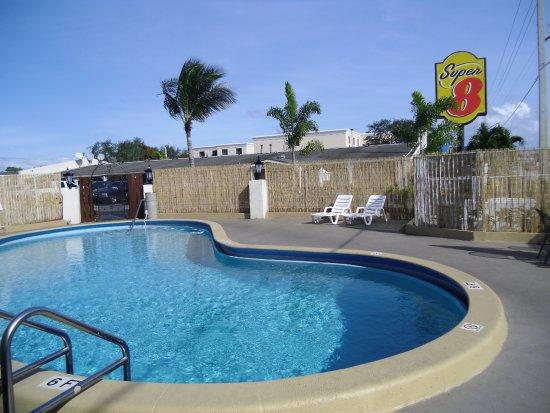 Super 8 Lantana West Palm Beach: Pool