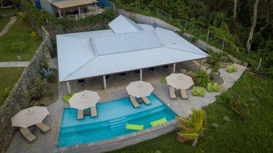 Marigot, Δομίνικα: Pagua Bay Bar & Grill operational - post Hurricane Maria 2018